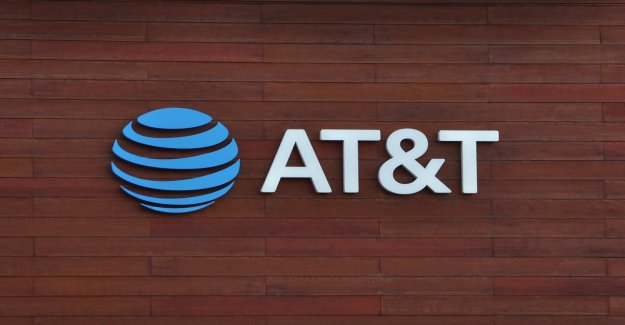 AT&T customers can pay bills with Bitcoin