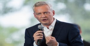 French economy Minister Le Maire Facebook-Coin...
