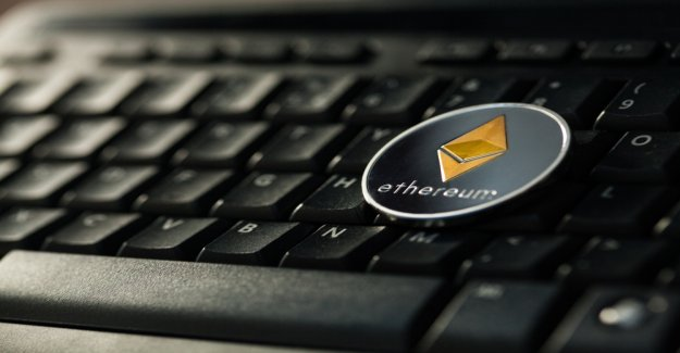 Ethereum vs. EOS: dApps, the programs of the future or a bridge technology?