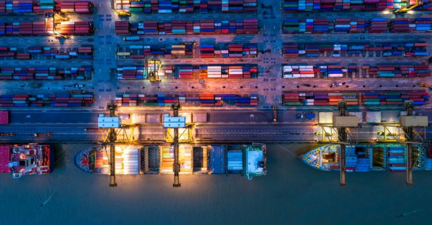 Digitization in the commodity trading: Intelligent Blockchain platform for more efficiency