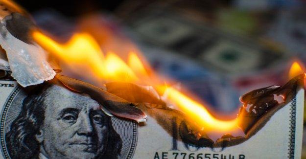 As unorthodox monetary policy, bitcoin favors growth