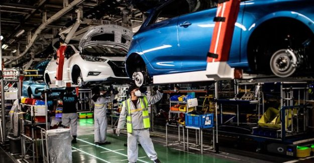 Renault's announcement of 4,600 job cuts in France, 15 000 in the world