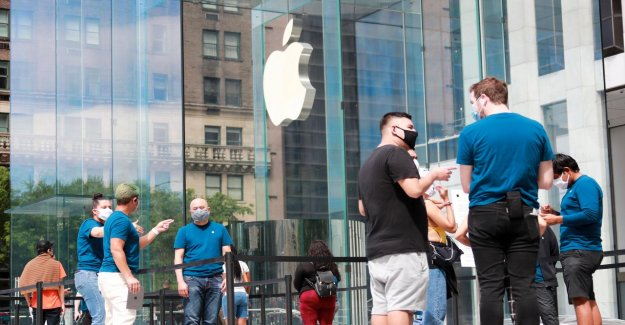 Apple to close some retail stores in USA, again, mightily the virus