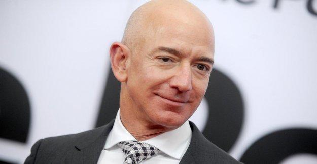 Amazon chief Jeff Bezos nearly $ 10 billion richer in a single day