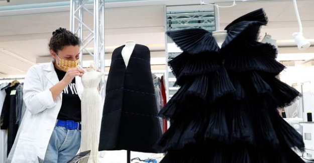 Fashion shows virtual, videos, behind the scenes... In the midst of a pandemic, the fashion week is reinventing itself