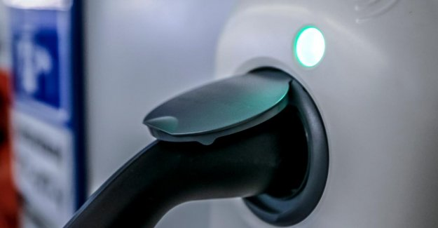 The government pulls in 30 million euros for charging points for electric cars