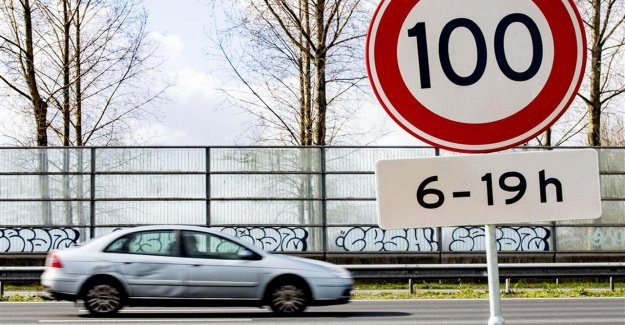 The netherlands was the first country in the world with a digital file that contains all the road signs
