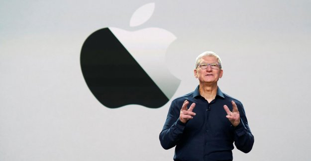 Tim Cook of Apple has joined the club of billionaires