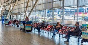 Holiday season brings more travelers to amsterdam airport Schiphol