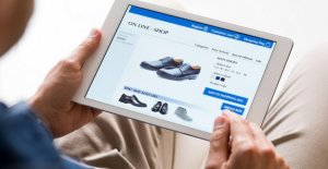 Online clothing schoenenverkoop one-quarter to one-third less