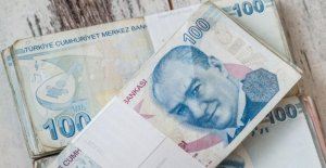 Turks find solace in hard currency after the loss of value of Turkish currency